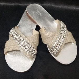 NIB Botkier New York Silver Alana Jeweled Sandals